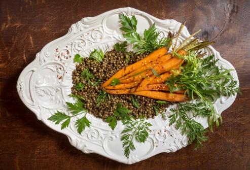 Salát ze zelené čočky s pečenou mrkví
